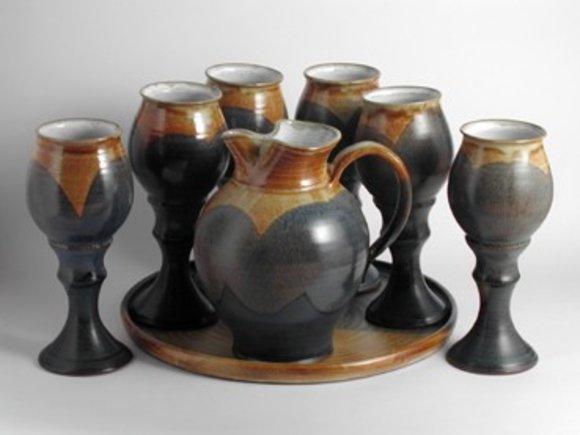 Wein,Wasserkanne 1L aus Keramik mit 6 Becher und Servierbret